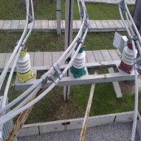 Чертеж крепления трёх проводов к опорному изолятору ИОС-20-2000 УХЛ1 в формате DWG